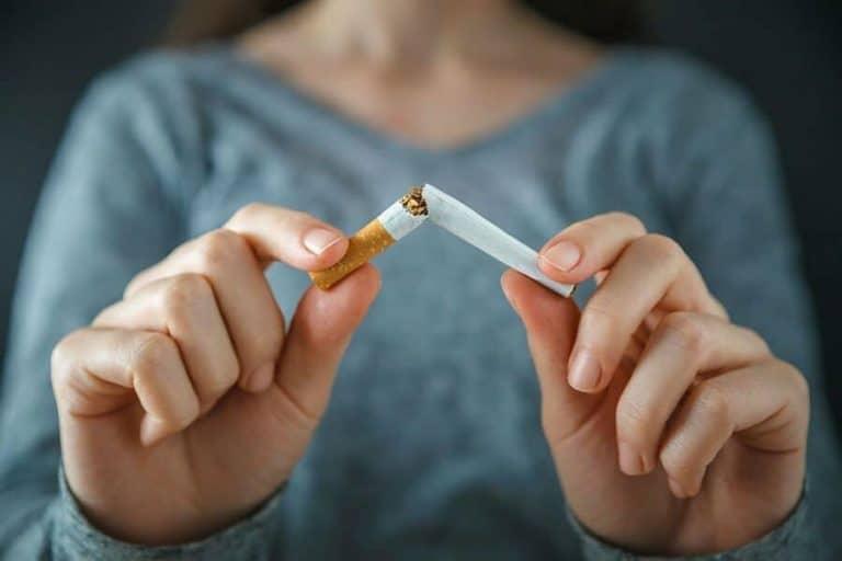 Locul de munca te poate ajuta sa renunti la fumat